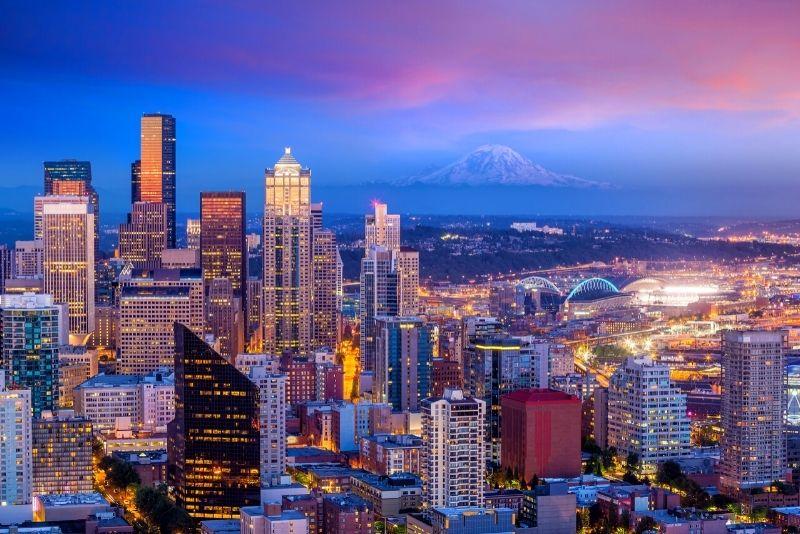 Seattle skyline by night