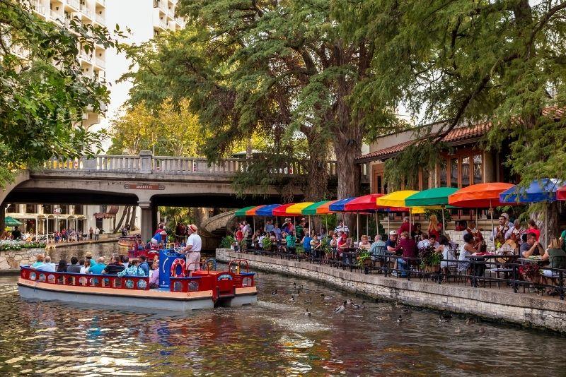 boat tours in San Antonio
