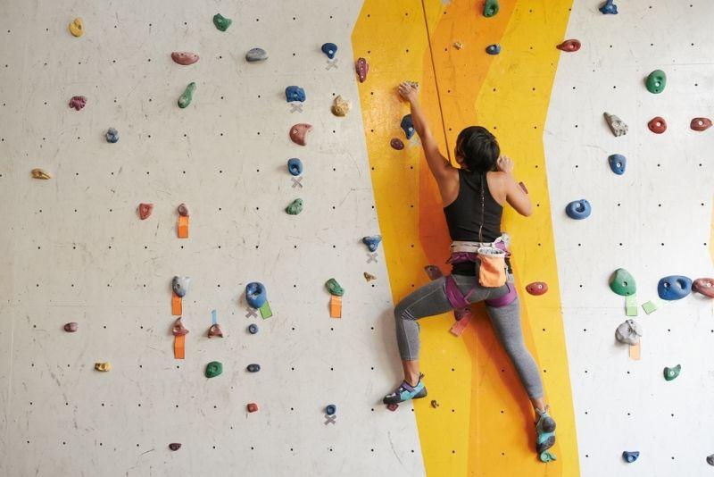 climbing in Planet Granite, Portland, Oregon