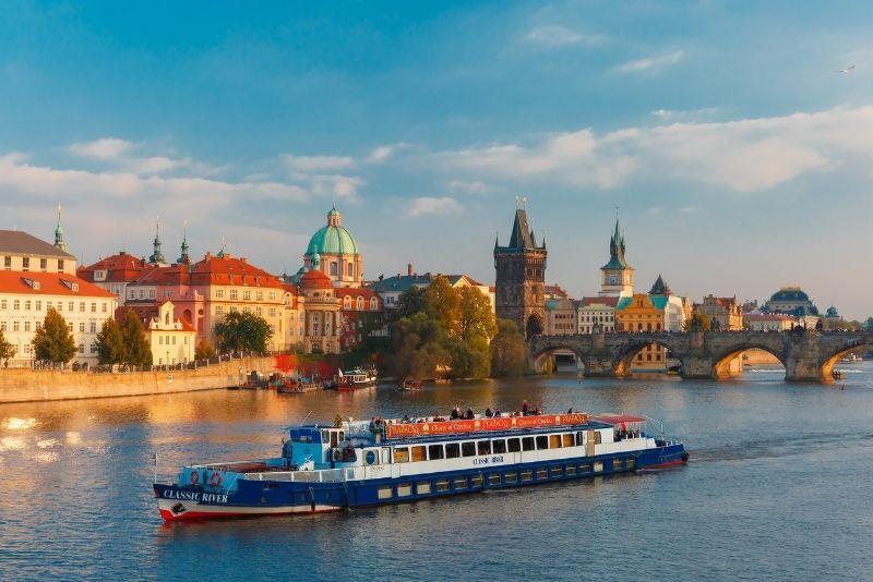 cruceros con cena en Praga
