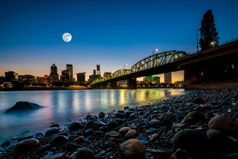 ghost tours in Portland, Oregon