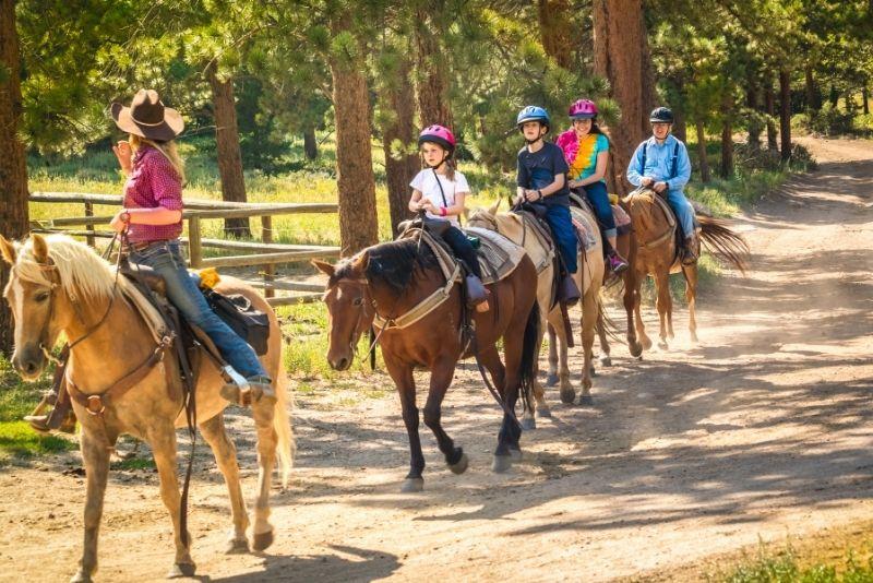 horse riding in San Antonio