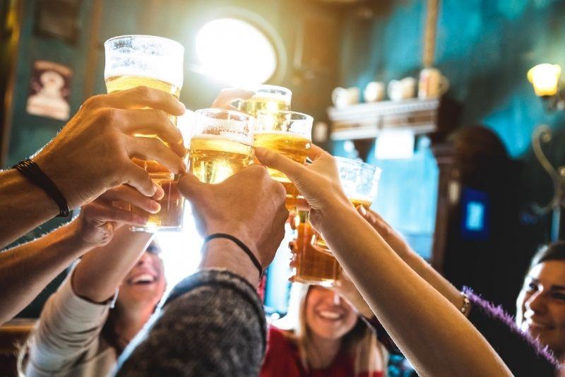 pub crawl in Toronto