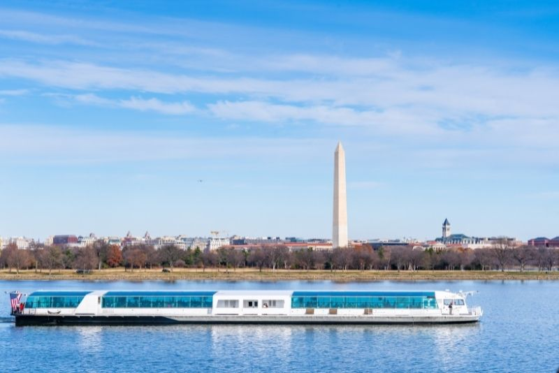 sightseeing cruise in Washington DC