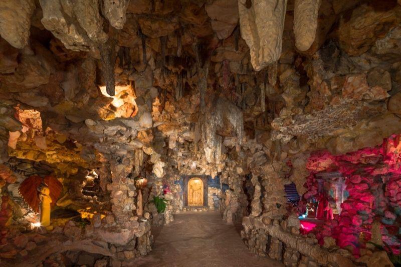 Crystal Shrine Grotto, Memphis