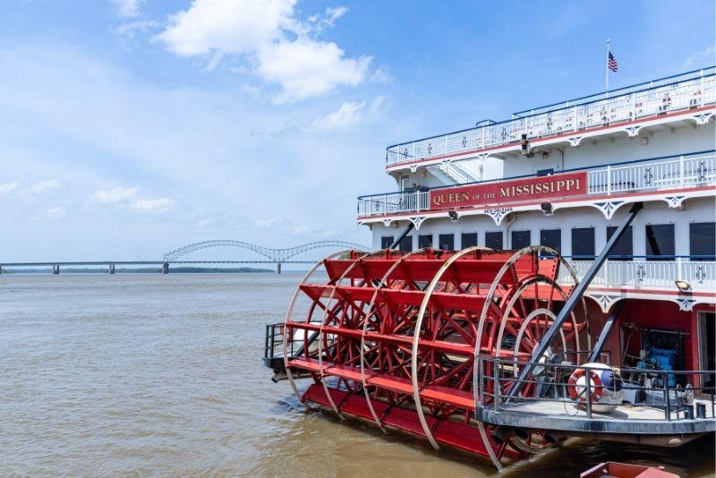 boat tour in Memphis