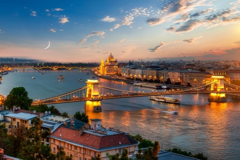 boat tours in Budapest