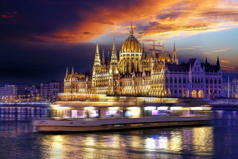 dinner cruise in Budapest
