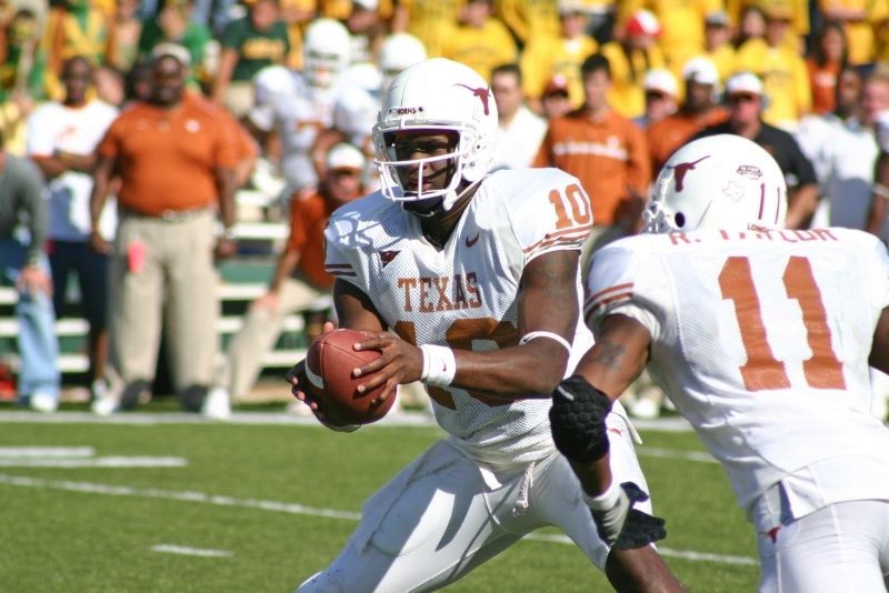 Longhorns football Texas quarterback Vince Young