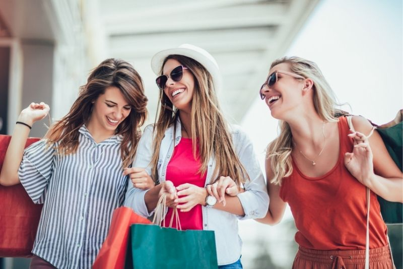 shopping tours in 16th Street Mall, Denver