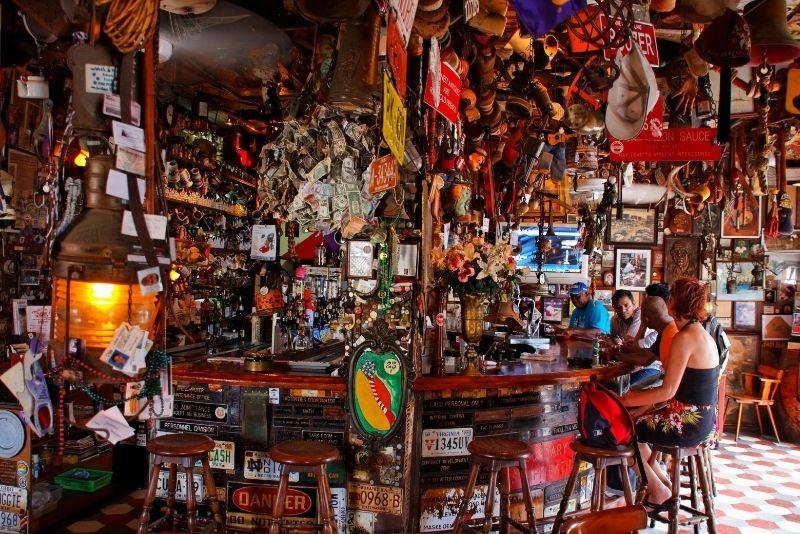 Charlie's Bar, Aruba