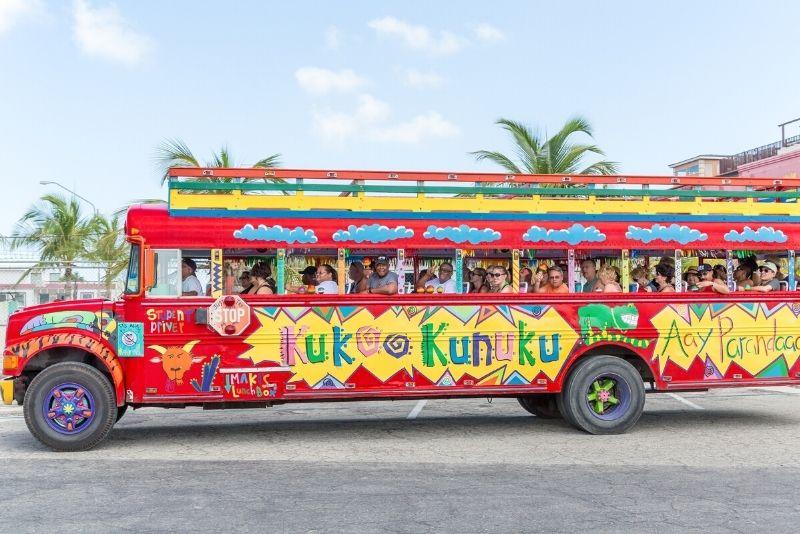 Kukoo Kunuku Party Bus in Aruba