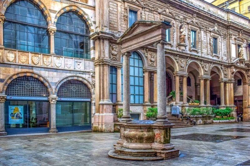 Piazza dei Mercanti, Mailand