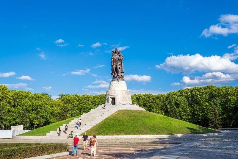 Sowjetisches Ehrenmal im Treptower Park in Berlin, Deutschland