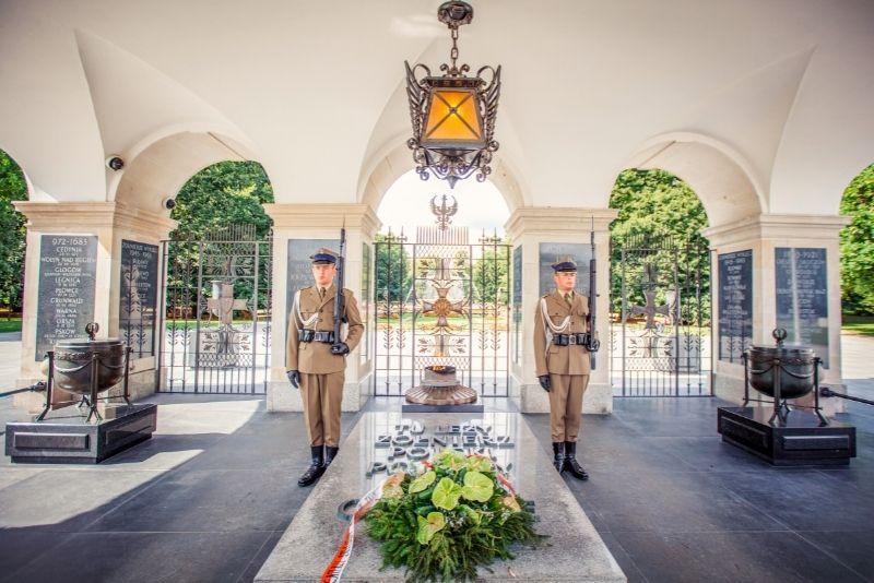Grabmal des unbekannten Soldaten, Pilsudski-Platz in Warschau