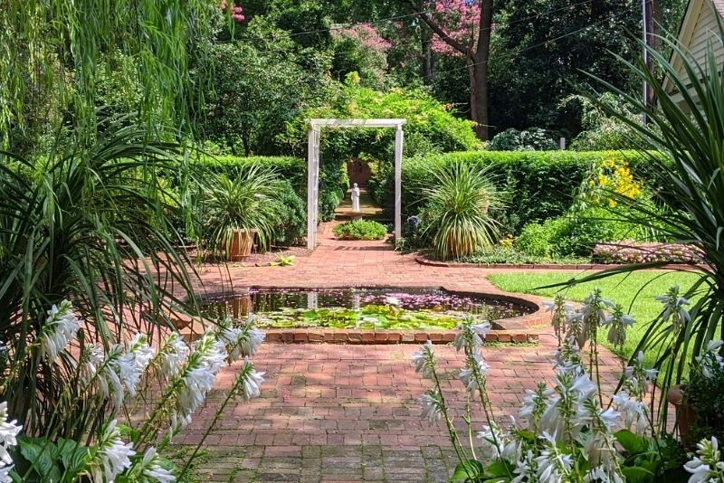 Wing Haven Garden and Bird Sanctuary, Charlotte