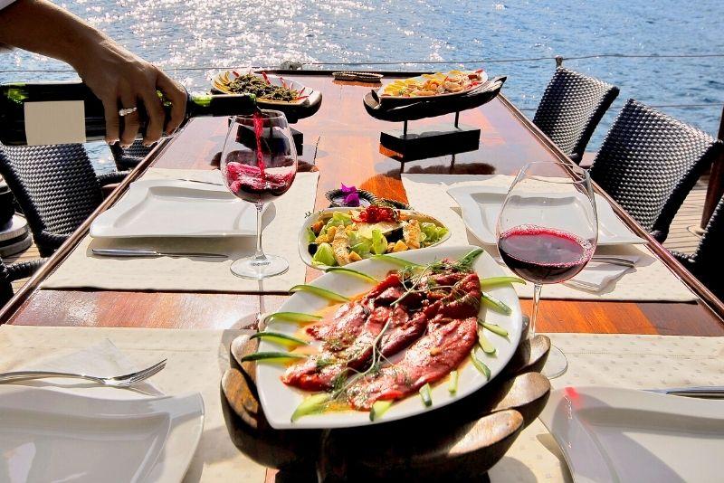 dinner cruise in Aruba