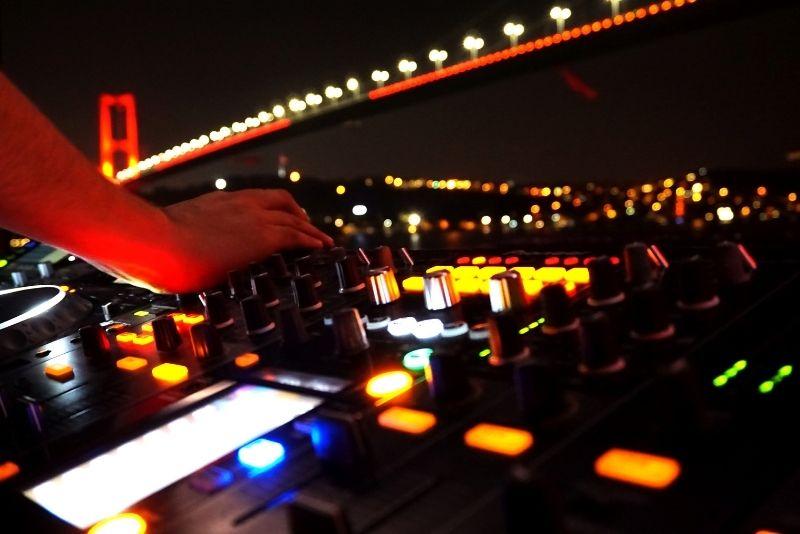 nightlife in Istanbul