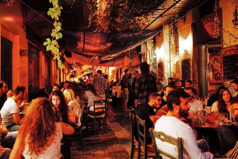 pub crawls in Athens