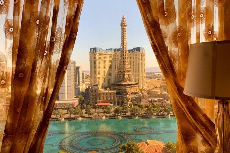 romantic hotel room in Las Vegas