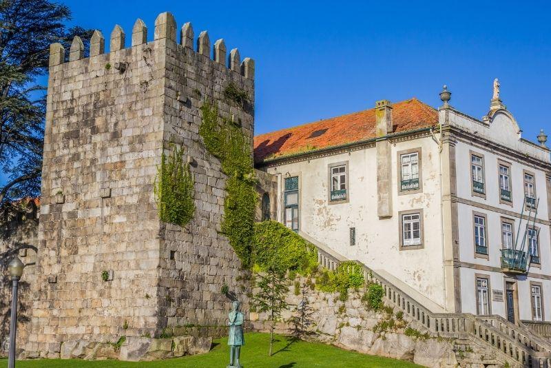 Fernandina wall, Porto