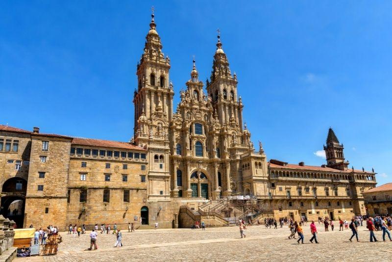 Santiago de Compostela & Minhoday trips from Porto