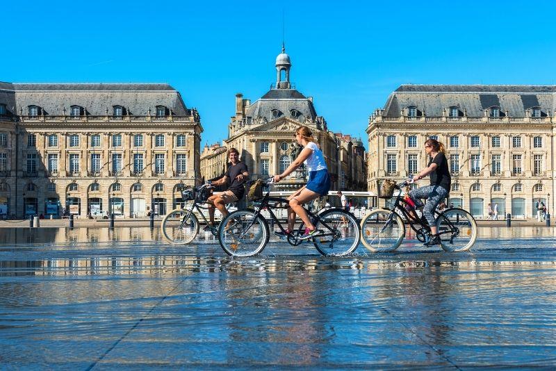 bike tour in Bordeaux