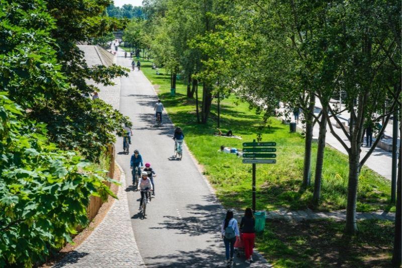 bike tour in Lyon
