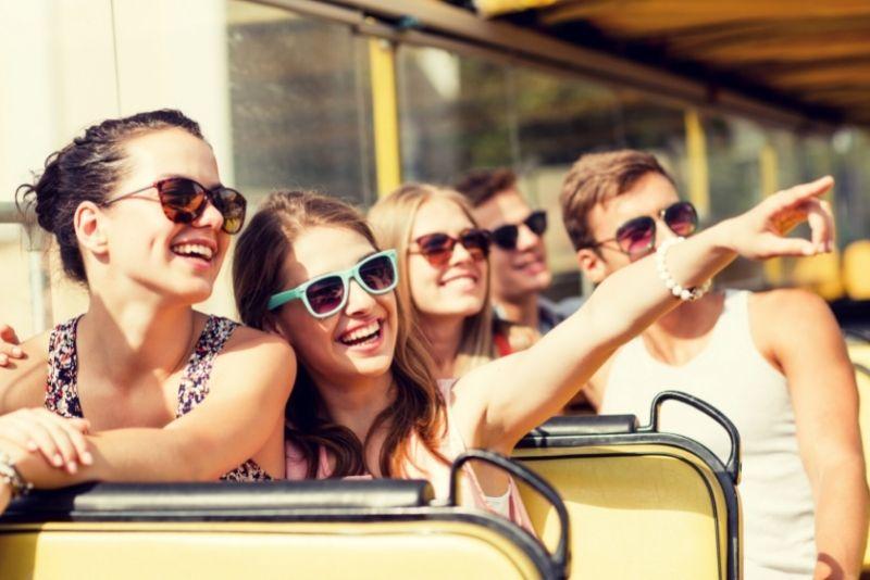 hop on hop off bus tour in Lyon