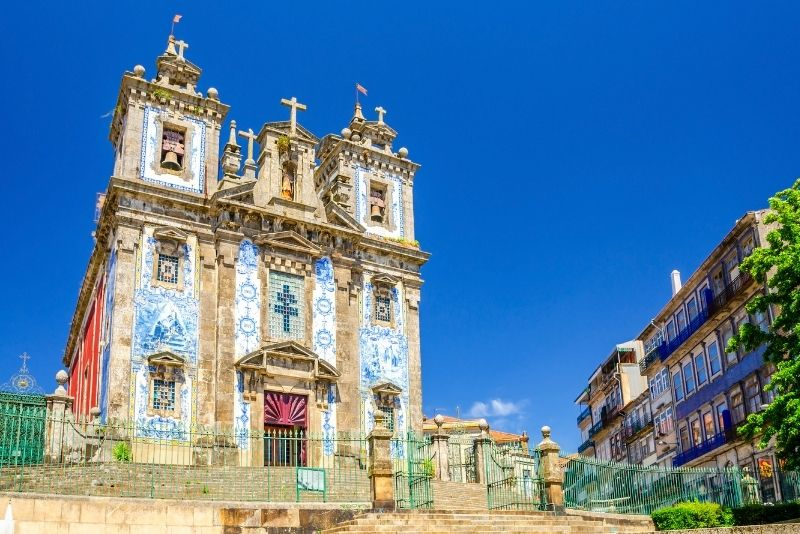remarkable churches in Porto