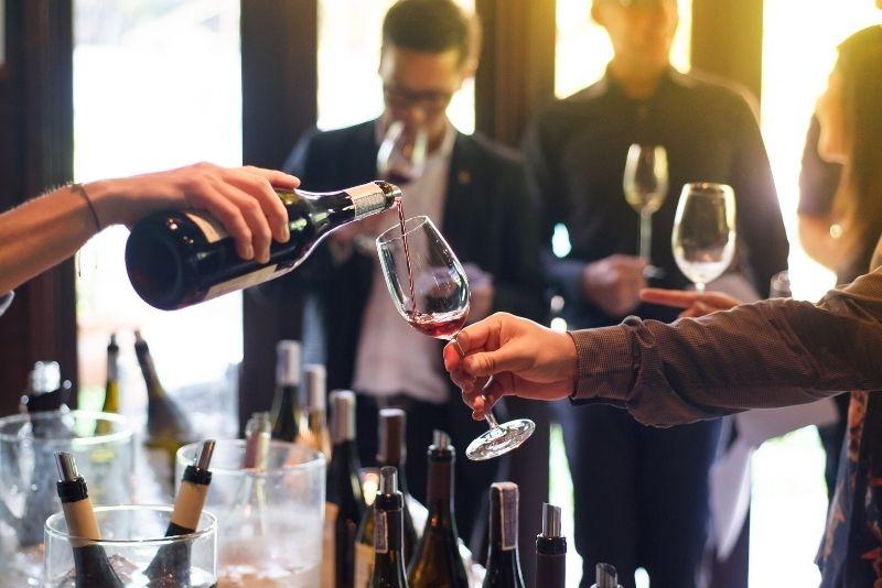 wine tour in Bordeaux